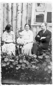 Ilgametis pradžios mokyklos vedėjas Feliksas Vilutis Užuguostyje mokytojavo nuo 1926 iki 1938 m.