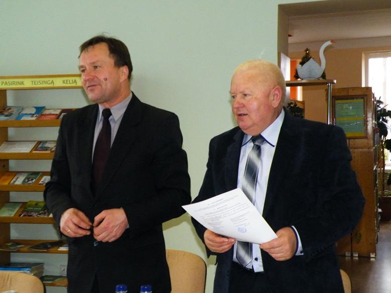 Sutartį pasirašė LŪS Prienų skyriaus pirmininkas Martynas Butkevičius ir Alytaus profesinio rengimo centro direktorius Vytautas Zubrus.