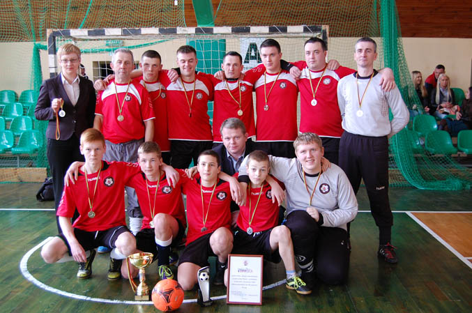 "Salės futbolo pirmenybėse antroji vieta atiteko Balbieriškio ""Ringio"" komandai."