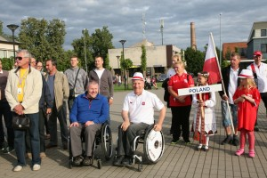 Centre  likimo ir sparno broliai sklandytojai Darius Liaugaudas ir Adamas Czeladcik (Lenkija)