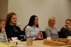 Veterinarinių paslaugų įmonių vadovė Jurgita ir fotografė Aira (antra ir trečia iš dešinės) negailėjo patarimų jaunimui.