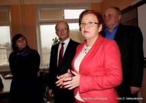 Apie permainas Stakliškių gimnazijoje Tarybos nariams ir svečiams papasakojo direktorė Loreta Šernienė.