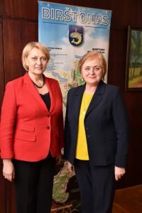 Audito Rūmų narė, susitikusi su Birštono savivaldybės mere N.Dirginčiene,  diskutavo apie ES investicijas Lietuvoje.
