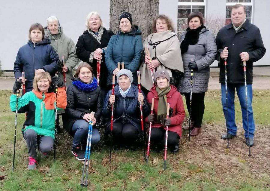 Balbieriškio seniūnijos gyventojai mokėsi šiaurietiškojo ėjimo technikos