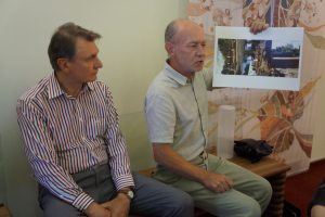 Iniciatyvos sukurti paminklą gimusiems ir užaugusiems Prienuose autoriai Vytautas Kabašinskas ir Eugenijus Banys.